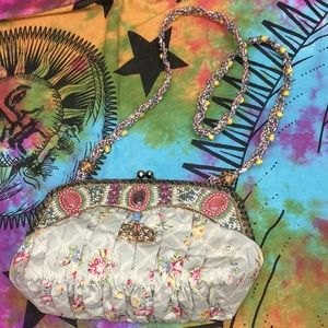 Mary Frances Beaded Embellished Clasp Purse Floral